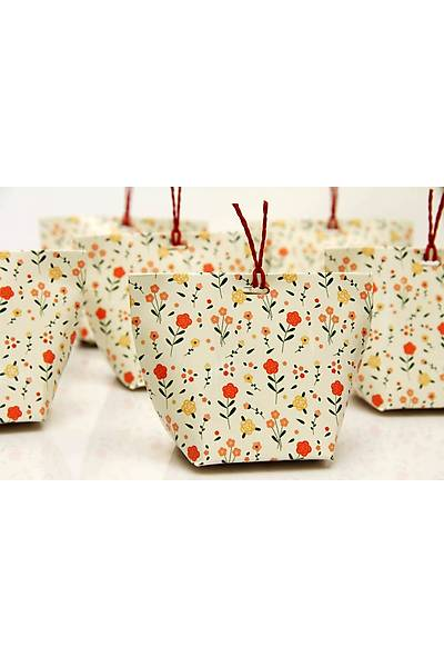 Beyaz Çiçekli Çanta Þeker Kutusu