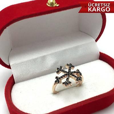 925 Ayar Gümüþ Roz Kaplama Kartanesi Model Zirkon Bayan Yüzük (STOK KODU: 20171416)
