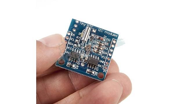 Tiny RTC I2C Modülü (24C32 Hafýza ve DS1307 Gerçek Zaman Saat Chip)