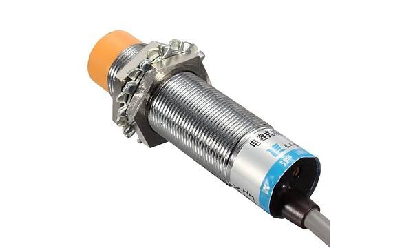LJC18A3-HZ/BX NPN 10mm Kapasitif Yakýnlýk Sensörü