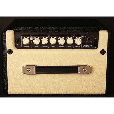 Cort CM15R Elektro Gitar Amfisi