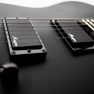 CORT M-JET MBLK Elektro Gitar (Hediyeli)