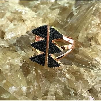 Üçgen Model Mikro Siyah Zirkon Taþlý Rose Kaplama Gümüþ Bayan Yüzük