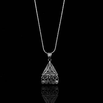Piramit Model Oksitli Telkari Gümüþ Kolye