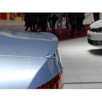 Volkswagen Passat Spoiler 2011>