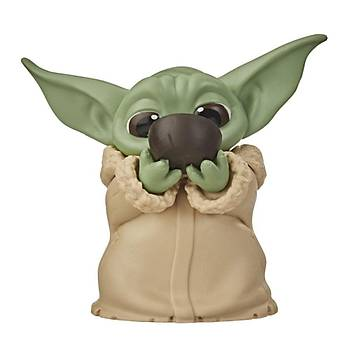 "Star Wars - The Bounty Collection The Child The Mandalorian ""Baby Yoda"" Sipping Soup"
