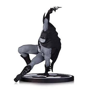 Batman Black & White Bryan Hitch Statue