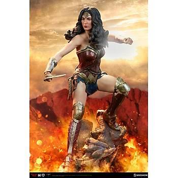 Wonder Woman Premium Figure