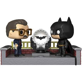 Funko POP DC Movie Moment Batman 80th - Batman with Light Up Bat Signal