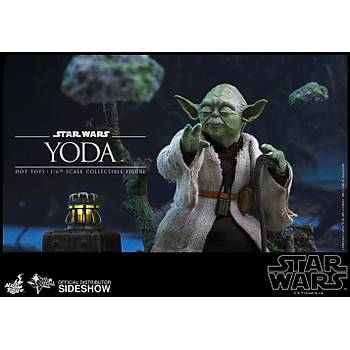Yoda Sixth Scale Figure by Hot Toys