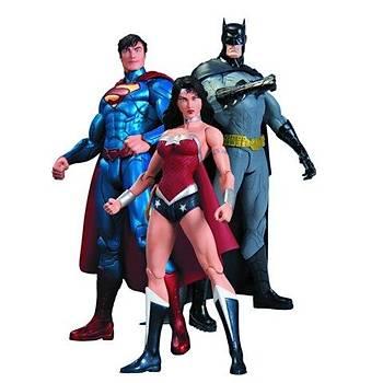 TRINITY WAR BATMAN & SUPERMAN & WONDER WOMAN