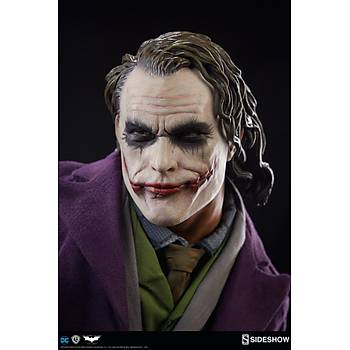 The Joker 'The Dark Knight' Premium Format Figure by Sideshow Collectibles