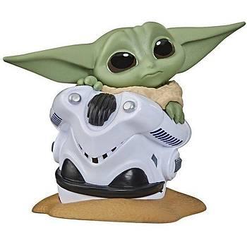 "Star Wars The Bounty Collection Series 2 The Child ""Baby Yoda"" Mandalorian Helmet Hidding"