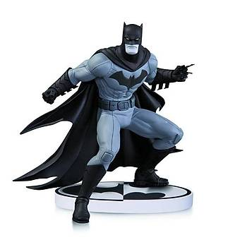 Batman Black & White Greg Capullo Statue