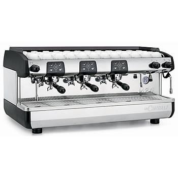 LA Cimbali M24 TE Plus Otomatik Espresso Capuccino Kahve Makinesi 3 Gruplu