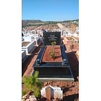 Siyah granit mezar