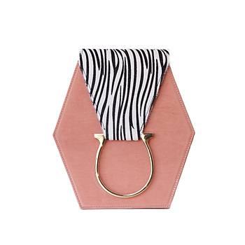 Fressia Zebra vs Pastel Pink