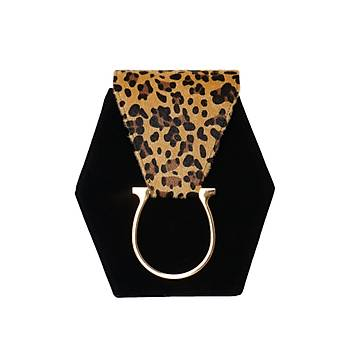 Fressia Leopard vs Black