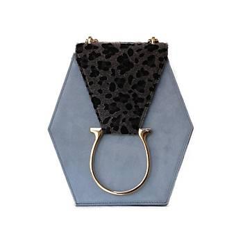 Fressia Leopard vs Blue