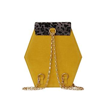 Fressia Leopard vs Yellow