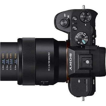 Sony FE 50mm f/2.8