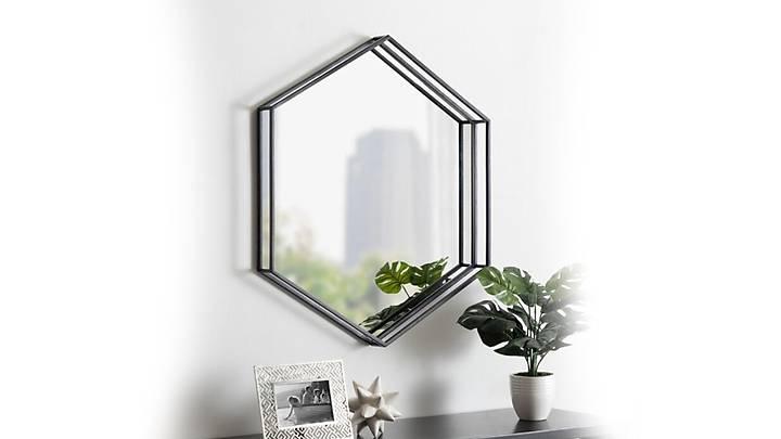 Lola Ayna