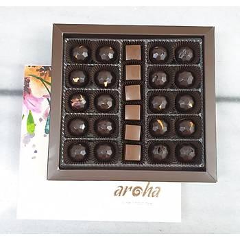 500 Gr. lýk kutuda 26 adet %50 Kakao Vegan Sütlü ve %85 Hurma Özlü Spesiyal Çikolata
