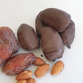 %70 Bitter Çikolata Kaplı, Badem Dolgulu Hurma