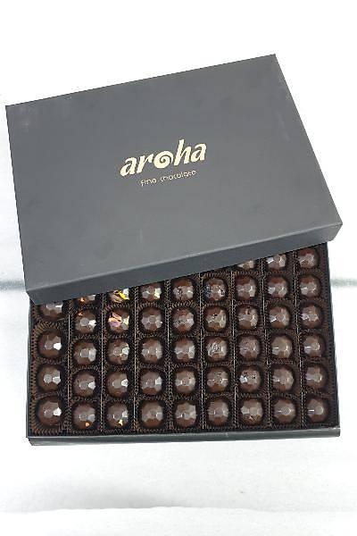 1000 Gr Kutuda 63 Adet Hurma Özlü Spesiyal Çikolata - %85 Kakao