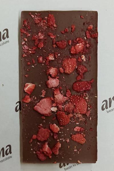 Çilekli Sütlü Çikolata - % 50 Kakao