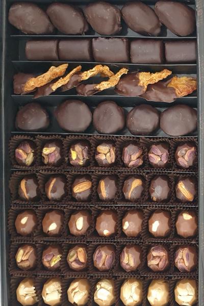1000 Gr Kutuda 56 Adet Karýþýk Spesiyal Çikolata