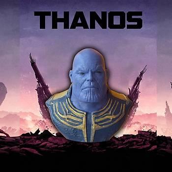 Thanos Büst