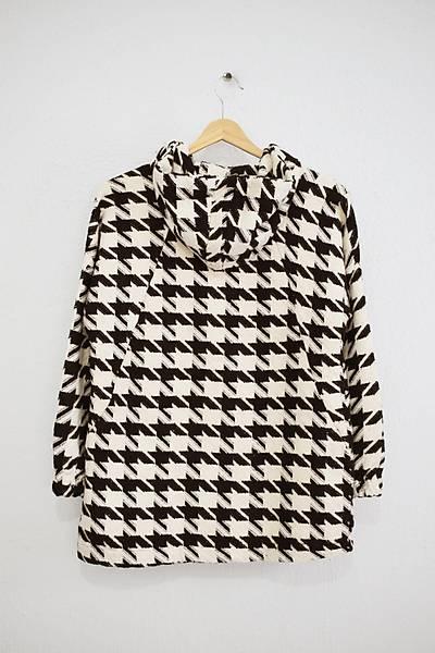 Renklen Kad�n Siyah-Krem Kaz Aya�� Desenli Kap��onlu Ceket