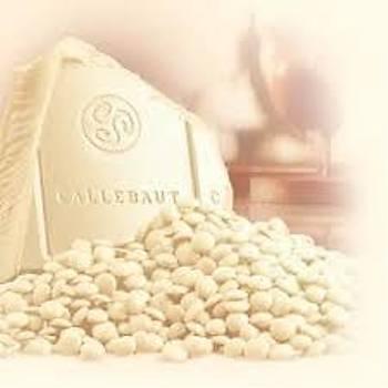 Callebaut Beyaz W2 Pul Çikolata 1kg. (Bölünmüþ)