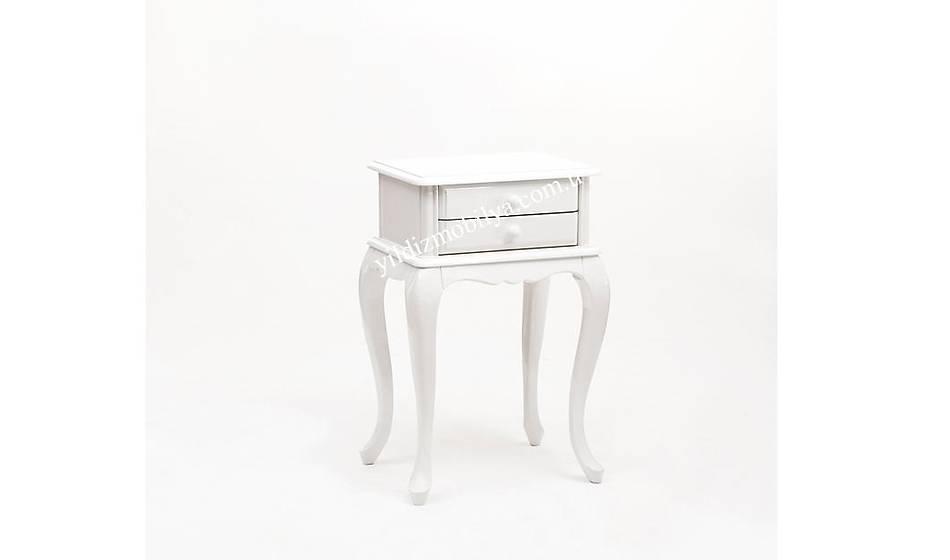 White Dresuar