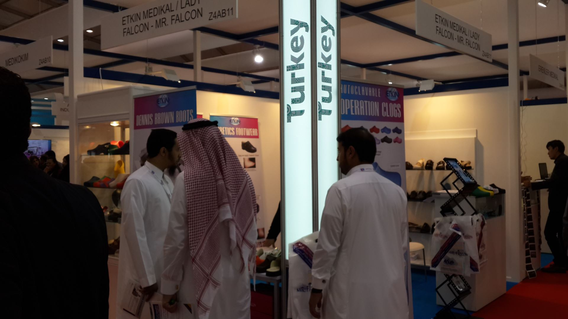 Arab Health 2015 Fuar Görüntüsü Falcon