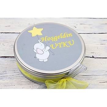 Büyük Boy Ýsim Baskýlý Filli Metal Kutu Bebek Çikolatasý - 100 Adet Çikolata 300 gr Draje